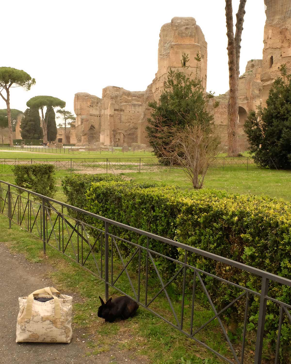 otziotzi-artisanat-textile-sac-cabas-made in france dans les thermes de Caracalla