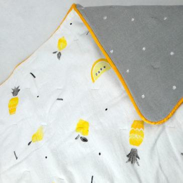 Moelleuse : la couverture fruitée pour bébé