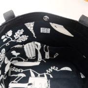 sac-cabas-rayures-noir-blanc-otziotzi-doublure-legumes-poches-plaquees
