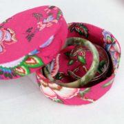 boites-rondes-tissu-otziotzi-rose-fleurs-bijoux