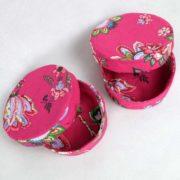 boites-rondes-tissu-otziotzi-rose-fleurs-dessus