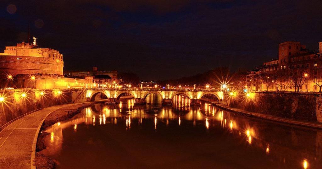 rome tibre château saint-ange nuit