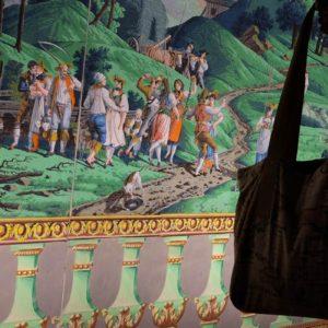 Les aventures du sac cabas OTZIOTZI à Marseille au parc Borély (France)