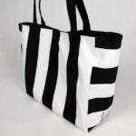 sac-cabas-rayures-noir-blanc-otziotzi-cote-brode