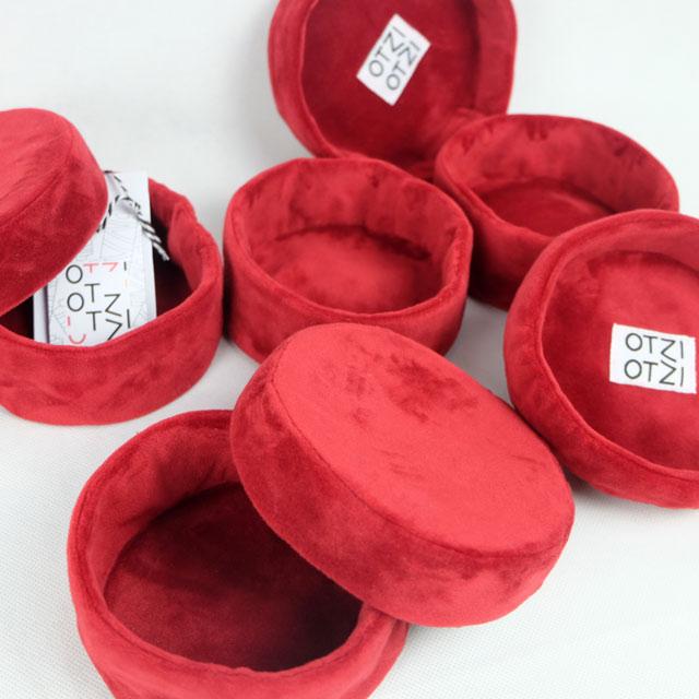 boites-rondes-tissu-otziotzi-velours-rouge